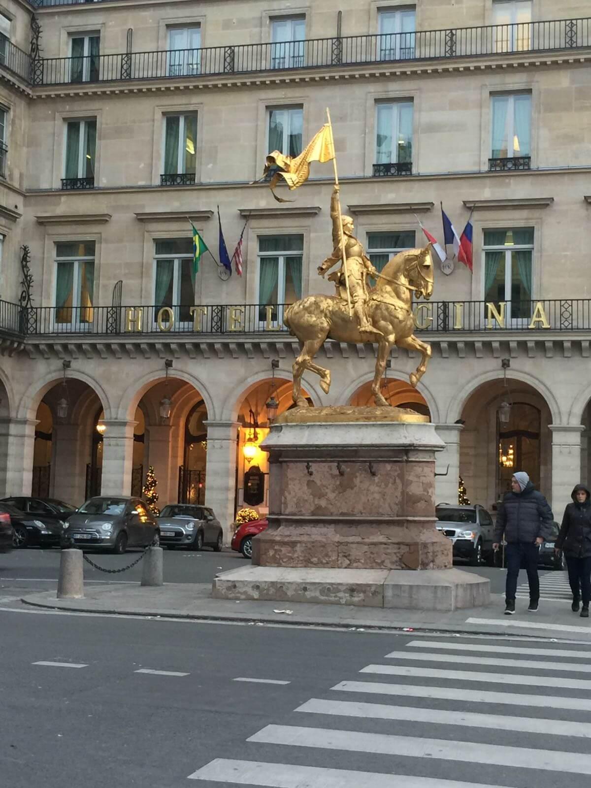 Place des Pyramides Paris, hotel Regina